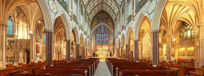 <center>Убивает ли интернет институт церкви?</center>